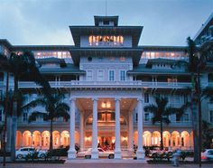 The #Westin #MoanaSurfrider, one of our favourite hotels in #Waikiki #holidaywithhot
