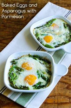 Baked Eggs and Asparagus with Parmesan. Great idea for weekend brunch that's friendly and delicious full of veggies and healthy goodness. Egg Recipes, Brunch Recipes, Low Carb Recipes, Vegetarian Recipes, Cooking Recipes, Healthy Recipes, Diet Recipes, Cooking Tips, Asparagus Recipe