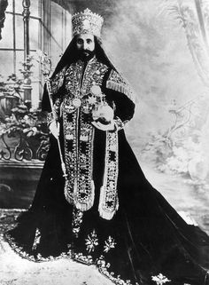 Emperor Haile Selassie King of Kings Lord of Lords July 1892 – 27 August born Tafari Makonnen was Ethiopia's regent from 1916 to 1930 and Emperor of Ethiopia from 1930 to He was a member of the Solomonic dynasty. Haile Selassie, History Of Ethiopia, Jah Rastafari, Black Royalty, African Royalty, Tribe Of Judah, Old Portraits, Art Africain, Lion Of Judah