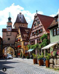 Rothenburg ob der Tauber - Deutschland - Travel and Extra Beautiful Places To Visit, Wonderful Places, Places Around The World, Travel Around The World, Places To Travel, Places To Go, Rothenburg Germany, Rothenburg Ob Der Tauber, Germany Travel