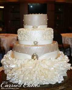 Silver Wedding Cake Stand | Wedding cakes & stands