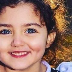 The World Cutest Baby - Anahita Hashemzadeh - My Baby Smiles Cute Baby Girl Photos, Cute Baby Twins, Cute Mixed Babies, Cute Little Baby Girl, Beautiful Baby Girl, Cute Girls, Adorable Babies, World's Cutest Baby, Cute Baby Girl Wallpaper
