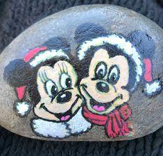 Christmas Stuff, Christmas Crafts, Pin Interest, Painted Shells, Wood Canvas, Stone Art, Rock Painting, Rock Art, Painted Rocks