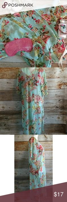 """Chiffon Floral Kimono-Coverup Size Large Slit sides.Open Front.Shoulder to hem is 40"""". (109A) Say What? Other"""