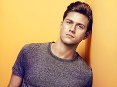 Aaron Tveit, sing to me lol