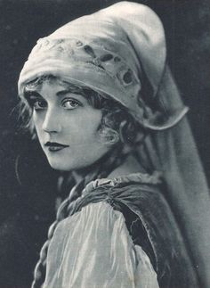 Marion Davies. 1910s.  The San Luis Obispo Film Festival (located near Hearst Castle) showed one of her films.  She was quite the comedianne, though we were told that W.R. Hearst did not like seeing his mistress in any but serious roles.
