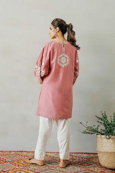 Cute Short Dresses, Casual Dresses, Eastern Dresses, Pakistani Designer Suits, Simple Pakistani Dresses, Embroidered Kurti, Tunic Designs, Shalwar Kameez, Block Prints