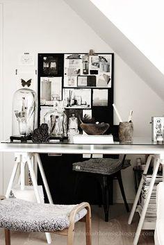 Black + white Work space desk & office / Inspiration et idées déco pour un espace de travail à son goût et organisé