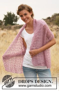 """DROPS 127-39 - Knitted DROPS shawl with lace pattern in """"Kid-Silk"""". - Free pattern by DROPS Design"""