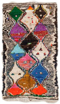 Moroccan rugs, known for their geometric designs and either monochromatic or richly colored palettes, are popular among designers who visit Woven Accents. Morrocan Rug, Fluffy Rug, Cheap Rugs, Textiles, Floral Rug, Cool Rugs, Patterned Carpet, Rug Runner, Vintage Rugs