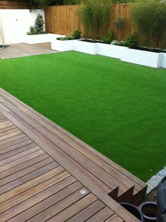 The Esher family's Modern garden by Outer-Space Garden Design UK Example wood deck steps to lawn Back Gardens, Small Gardens, Outdoor Gardens, Urban Garden Design, Small Garden Design, Family Garden, Home And Garden, Villa, Contemporary Garden