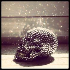one day i will own a diamond skull Crane, Awake My Soul, Diamond Skull, Fashion Me Now, Skull And Bones, Sugar Skull, Fascinator, Goth, Artsy