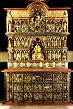 FILIPPO BRUNELLESCHI.  Altare argenteo di San Jacopo,che si trova nella Cattedrale di San Zeno di Pistoia. Questa opera è datata 1287-1456.