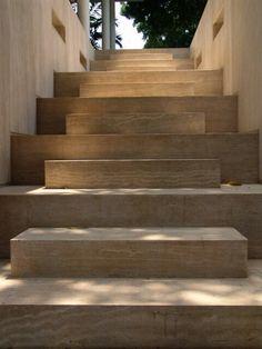 Escalier avec marche courte / marche longue