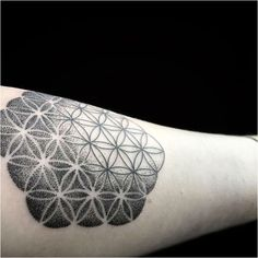 gallery custom tattoo designs , click now. Tattoo Life, Detailliertes Tattoo, Flower Of Life Tattoo, Mandala Tattoo, Tattoo Drawings, Black Sleeve Tattoo, Full Sleeve Tattoo Design, Full Sleeve Tattoos, Trendy Tattoos
