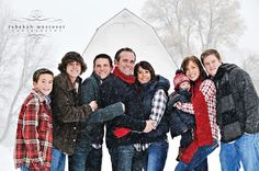 (From Rebekah Westover Photography: The 30 minute Winter Wonderland shoot.) The variations in subject height and their angle to the camera makes for a more interesting pose than if they had been lined up in a row. Winter Family Pictures, Winter Photos, Family Pics, Holiday Photos, Winter Picture, Snow Pictures, Big Family, Christmas Photos, Christmas Trees