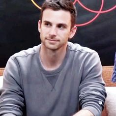 Find images and videos about gif, coldplay and guy berryman on We Heart It - the app to get lost in what you love. Love Band, Great Bands, Cool Bands, Beautiful World Lyrics, Adam Campbell, Coldplay Songs, I Love Bass, Jonny Buckland, Atticus Finch