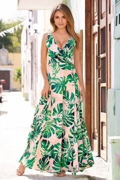Feel the breeze in your hair and all eyes on you when you slip into our tropical inspired blush maxi dress with bold green leaves on the sleeveless woven silhouette that' Fashion Dress Up Games, Fashion Dresses, Dress Up Games Online, Maxi Robes, Designer Evening Dresses, Tropical Dress, Outfit Trends, Linen Dresses, Dresses Dresses