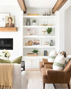 This Chic Home in Minnesota Is Making Our Heads Spin Living room shelves Home Living Room, Living Room Designs, Living Spaces, Small Living, Modern Living, Living Room Shelf Decor, Built In Shelves Living Room, Cozy Living, Decor Room