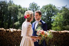 Mariage L&L - août 2017 Photo Claude Masselot Costume Blandin & Delloye noeud pap' Le Colonel Moutarde Alsace - Domaine du Hirtz  mariage champêtre rustic country wedding
