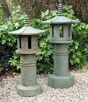 Resultado de imagen para ceramic garden lantern