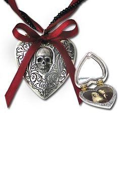 Alchemy Gothic - The Reliquary Heart Locket