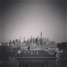 The perfect traffic jam to take a picture of Manhattan #newyork #nyc #skyline #blackandwhite by taiwanpalle