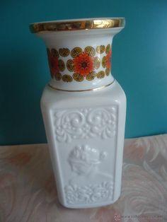 Jarrón de porcelana Sambo con motivos clásicos en relieve - decoración Vintage …