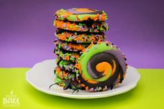 diy Swirly Halloween Cookies (and a diy for large cookie pops with the same dough) #easy #cookie #recipes
