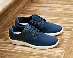 Vans OTW introduces the Woven Pack, made up of the Ludlow and Prelow silhouettes that both use embossed woven detailing across the leather quarter panel. Sock Shoes, Men's Shoes, Skate Shoes, Colorful Sneakers, Mens Fashion Shoes, Men's Fashion, Fresh Shoes, Well Dressed Men, Tennis