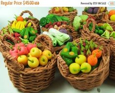 Miniature Polymer Clay Fruits and Veggies in weaving basket, set of 12 pcs, assorted Polymer Clay Miniatures, Polymer Clay Charms, Miniature Crafts, Miniature Food, Clay Projects, Clay Crafts, Biscuit, Barbie, Doll Food
