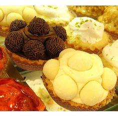 Tortalete de Brigadeiro e tortalete de leite ninho. #confeitariapolos (em Polos Pães e Doces)