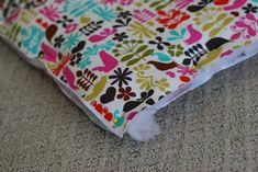 My little baby Clare is off to pre-school this Fall and now she will be all ready with a brand new mommy-made nap mat. But will I be ready? I'm already making up excuses for why she should ma… Nap Mat Tutorial, Kids Nap Mats, Fabric Patterns, Sewing Patterns, Sewing Tutorials, Sewing Projects, Toddler Sleeping Bag, Crayon Roll, My Little Baby