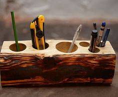 Xmas Crafts, Wood Crafts, Diy And Crafts, Rustic Candles, Diy Candles, Wine Barrel Furniture, Branch Art, Wood Framed Mirror, Diy Holz