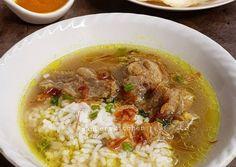 Soto Daging Madura foto resep utama My Recipes, Beef Recipes, Cooking Recipes, Indonesian Cuisine, Indonesian Recipes, Korean Food, Chana Masala, Soups And Stews, Food Hacks
