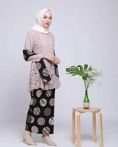 32 Trendy Style Inspiration Over 40 Blouses Kebaya Modern Hijab, Model Kebaya Modern, Kebaya Hijab, Kebaya Brokat, Kebaya Muslim, Kebaya Lace, Kebaya Dress, Batik Kebaya, Batik Dress