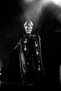 Papa Emeritus ll Band Ghost, Ghost Bc, Ghost Papa Emeritus, Red Ink Tattoos, Ghost And Ghouls, Band Wallpapers, Ghost Photos, Fallout New Vegas, Band Posters