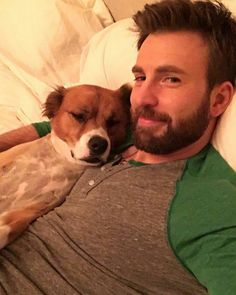 Find images and videos about Marvel, captain america and chris evans on We Heart It - the app to get lost in what you love. Christopher Evans, Chris Evans Bart, Robert Evans, Chris Evans Captain America, Chris Evans Funny, Steve Rogers, International Dog Day, Je T'adore, Z Cam