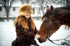 Ha egy lovas tanyát választotok a éli esküvőtök helyszínéül, akkor a lovakkal készült fotózás nagy élmény lesz nektek! Ne hagyjátok ki! Modell: Pölös Viktória Fur Coat, Jackets, Fashion, Down Jackets, Moda, Fashion Styles, Fashion Illustrations, Fur Coats, Fur Collar Coat