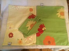 Placemats Yellow Green Floral  Reversible 2 Matching Napkins by The Cellar #TheCellar