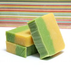 This Lemongrass Mint Homemade Soap Recipe makes a great soap for summer. Scented with a blend of lemongrass, lemon verbena and spearmint, this homemade soap recipe makes for an extra refreshing and eye opening morning shower!