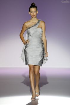#sexi #love #jeans #clothes #coat #shoes #fashion #style #outfit #heels #bags #treasure #blouses #wedding #weddingdress #weddingday #weddingcelebration #weddingwomanFranc Sarabia a jeho vernosť pestrým farbám