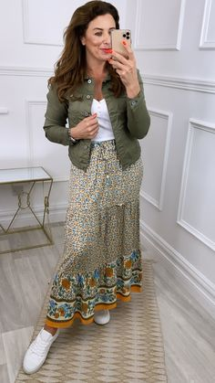 Maxi skirt, floral maxi skirt, multi coloured maxi skirt Full Length Skirts, Online Boutiques, A Line Skirts, Fitness Fashion, Fashion Online, High Waisted Skirt, Denim, Floral, Model