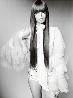 Edie Campbell ph Mario Testino for Vogue UK, December 2010.