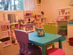 This #playroom lets the toys & games bring the color and fun!