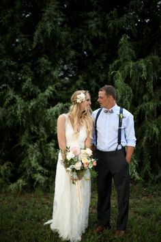 Courtney and Joe had a bohemian styled backyard wedding in Colorado. Talented photographer Jamie Fischer documented the beautiful moments perfectly! Bride Groom, Wedding Bride, Wedding Blog, Wedding Styles, Wedding Ideas, Bohemian Wedding Inspiration, Bohemian Style, Wedding Bouquets, Wedding Flowers