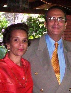 Don Dolores Morales González y Doña Marisol Callejas Maltéz, fundadores de la compañía mueblera Lolo Morales & Cia. Ltda.