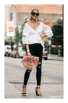 Summer Fashion Trends You Must Try In 2019 - Page 2 of 4 - Stylish Bunny Fashion Mode, Look Fashion, Fashion Outfits, Fashion Trends, Ladies Fashion, Fashion Ideas, Unique Fashion, Trendy Fashion, Womens Fashion
