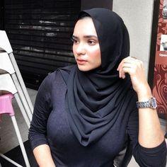 Now you are one of them to search girl dp Arab Girls Hijab, Girl Hijab, Muslim Girls, Beautiful Muslim Women, Beautiful Hijab, Moslem, Muslim Women Fashion, Muslim Beauty, Beauty Full Girl