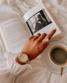 Cream Aesthetic, Aesthetic Coffee, Classy Aesthetic, Brown Aesthetic, Aesthetic Vintage, Aesthetic Photo, Aesthetic Pictures, Jewelry Photography, Book Photography